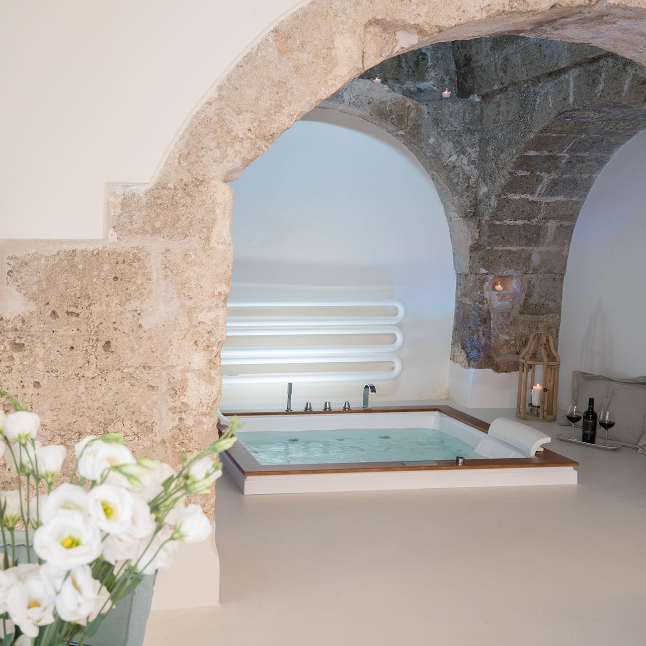 Masseria Amastuola: Suite Ovile con vasca idromassaggio