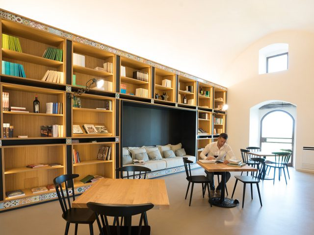 Masseria Amastuola: biblioteca