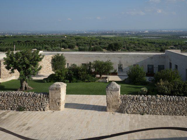 Masseria Amastuola: giardino ovili