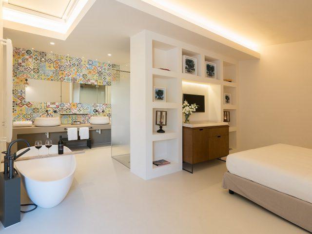 Masseria Amastuola: suite con vasca di design